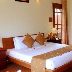 Отель Riverside Bamboo Resort Хойан сейф в номере