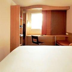 Отель ibis Zurich City West сейф в номере