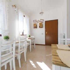Отель Bed and Breakfast Letterario Италия, Фьюмичино - отзывы, цены и фото номеров - забронировать отель Bed and Breakfast Letterario онлайн питание фото 2
