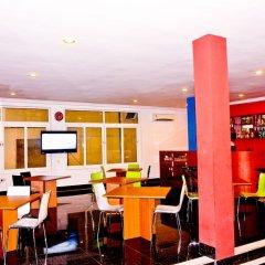 Birdrock Hotel Anomabo гостиничный бар