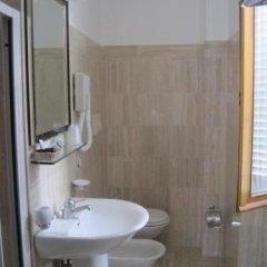 Отель Gioia Garden Италия, Фьюджи - отзывы, цены и фото номеров - забронировать отель Gioia Garden онлайн ванная