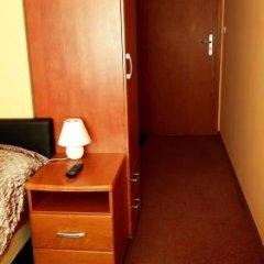 Отель Bluszcz сейф в номере