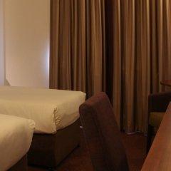Отель Jurys Inn Эдинбург сейф в номере