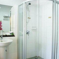 Отель Thara Patong Beach Resort & Spa Таиланд, Пхукет - 7 отзывов об отеле, цены и фото номеров - забронировать отель Thara Patong Beach Resort & Spa онлайн ванная