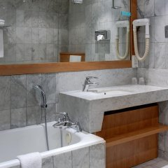 Отель Best Western Ronceray Opera Париж ванная