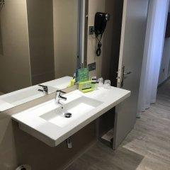 Hotel Silken Rona Dalba ванная