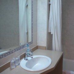Hotel Playasol Cala Tarida ванная фото 2