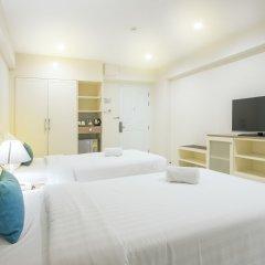 Отель Le Tada Residence Бангкок сейф в номере