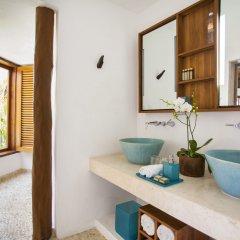 Отель Mahekal Beach Resort ванная фото 2