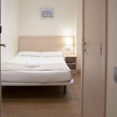 Отель Hostal Excellence Барселона комната для гостей фото 3