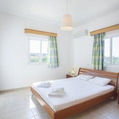 Отель Protaras Views Villa Кипр, Протарас - отзывы, цены и фото номеров - забронировать отель Protaras Views Villa онлайн комната для гостей фото 4