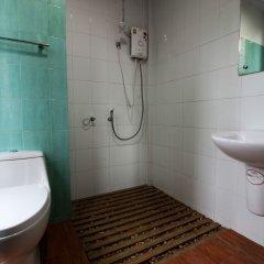 Urbanite Hostel Бангкок ванная
