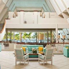 Отель Victoria Beachcomber Resort & Spa бассейн фото 4