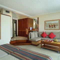 Отель Shandrani Beachcomber Resort & Spa All Inclusive Кюрпип комната для гостей фото 3