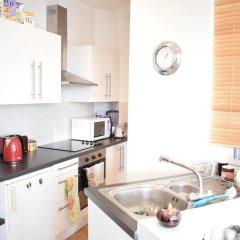 Апартаменты 1 Bedroom Apartment With Beautiful Views in Hampstead в номере