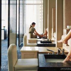 Отель Four Seasons Hotel Toronto Канада, Торонто - отзывы, цены и фото номеров - забронировать отель Four Seasons Hotel Toronto онлайн интерьер отеля