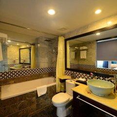 Отель Gia Bao Grand Hotel Вьетнам, Ханой - отзывы, цены и фото номеров - забронировать отель Gia Bao Grand Hotel онлайн ванная