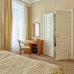 Гостиница Комфорт 3* Стандартный семейный номер с двуспальной кроватью фото 6