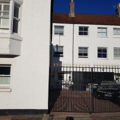 Отель Waynes Place Великобритания, Кемптаун - отзывы, цены и фото номеров - забронировать отель Waynes Place онлайн парковка