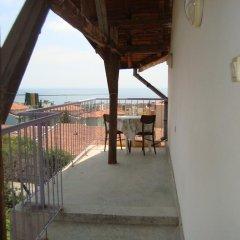 Отель Djimi Guest House балкон