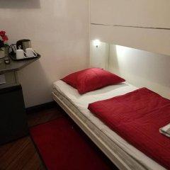 Отель LUNDA Стокгольм сейф в номере