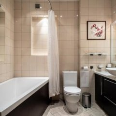 Гостиница Comfort Na Kolokolnoy в Санкт-Петербурге отзывы, цены и фото номеров - забронировать гостиницу Comfort Na Kolokolnoy онлайн Санкт-Петербург ванная