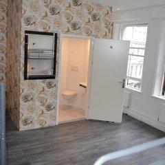Отель Barkston Rooms Earl's Court (formerly Londonears Hostel) Великобритания, Лондон - 5 отзывов об отеле, цены и фото номеров - забронировать отель Barkston Rooms Earl's Court (formerly Londonears Hostel) онлайн ванная фото 2