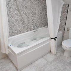 Отель Alojamiento Verdemar Испания, Арнуэро - отзывы, цены и фото номеров - забронировать отель Alojamiento Verdemar онлайн ванная