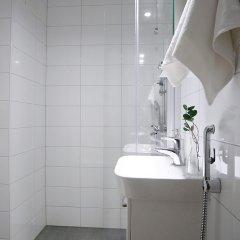 Отель Roost Kirstinkatu Финляндия, Хельсинки - отзывы, цены и фото номеров - забронировать отель Roost Kirstinkatu онлайн ванная фото 2