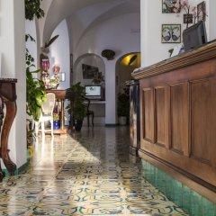 Отель Marina Riviera Италия, Амальфи - отзывы, цены и фото номеров - забронировать отель Marina Riviera онлайн интерьер отеля