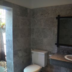 Отель Hoi An Red Frangipani Villa ванная