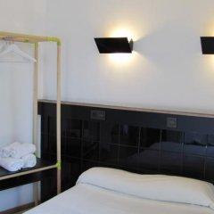 Отель Hostal Athenas комната для гостей фото 8