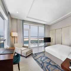 Отель DoubleTree by Hilton Dubai Jumeirah Beach 4* Люкс с различными типами кроватей