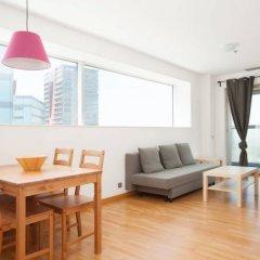 Отель Akira Flats Fira Gran Via Barcelona Оспиталет-де-Льобрегат комната для гостей фото 3