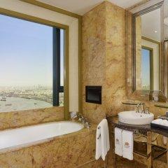 Отель The Reverie Saigon Вьетнам, Хошимин - отзывы, цены и фото номеров - забронировать отель The Reverie Saigon онлайн ванная