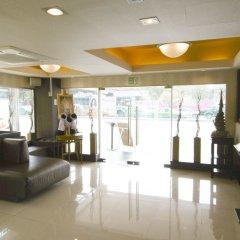 Отель Green Bells Residence New Petchburi Бангкок интерьер отеля