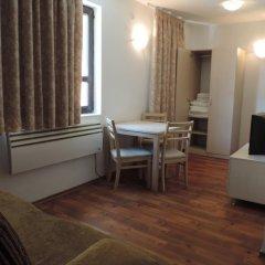 Апартаменты Gondola Apartments & Suites Банско комната для гостей фото 5