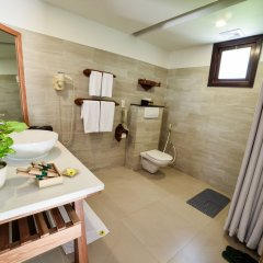 Отель Palm Garden Beach Resort And Spa Хойан ванная