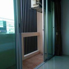 Отель JR Mansion Бангкок балкон