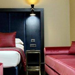 Отель Merulana 13 - Exclusive Rooms сейф в номере