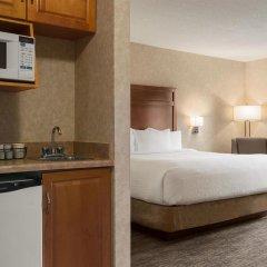 Отель Days Inn & Suites by Wyndham Brooks удобства в номере