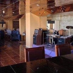 Отель Aquamarina III гостиничный бар