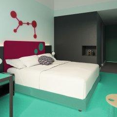 Отель Room Mate Bruno сейф в номере