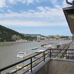 Отель Empire of Liberty Apartment Венгрия, Будапешт - отзывы, цены и фото номеров - забронировать отель Empire of Liberty Apartment онлайн балкон
