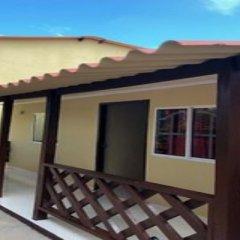 Отель Cabañas Turisticas Caribbean Paradise Колумбия, Сан-Андрес - отзывы, цены и фото номеров - забронировать отель Cabañas Turisticas Caribbean Paradise онлайн балкон