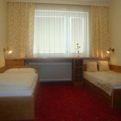 Отель Amadeus Pension комната для гостей фото 4
