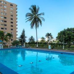 Апартаменты Deluxe Turtle Towers Apartments бассейн фото 2