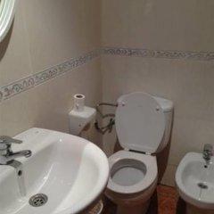 Отель Pension Mario Испания, Гранада - отзывы, цены и фото номеров - забронировать отель Pension Mario онлайн ванная фото 2