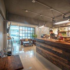 Sloth Hostel Don Mueang Бангкок гостиничный бар