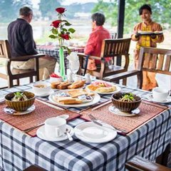 Отель Riverside @ Hsipaw Resort питание